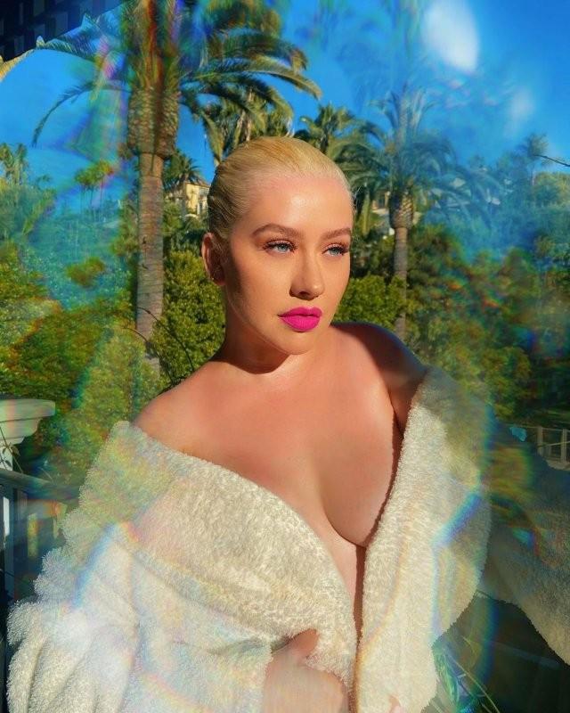 Кристина Агилера: певица, мать, актриса и вечная соперница Бритни Спирс (15 фото)