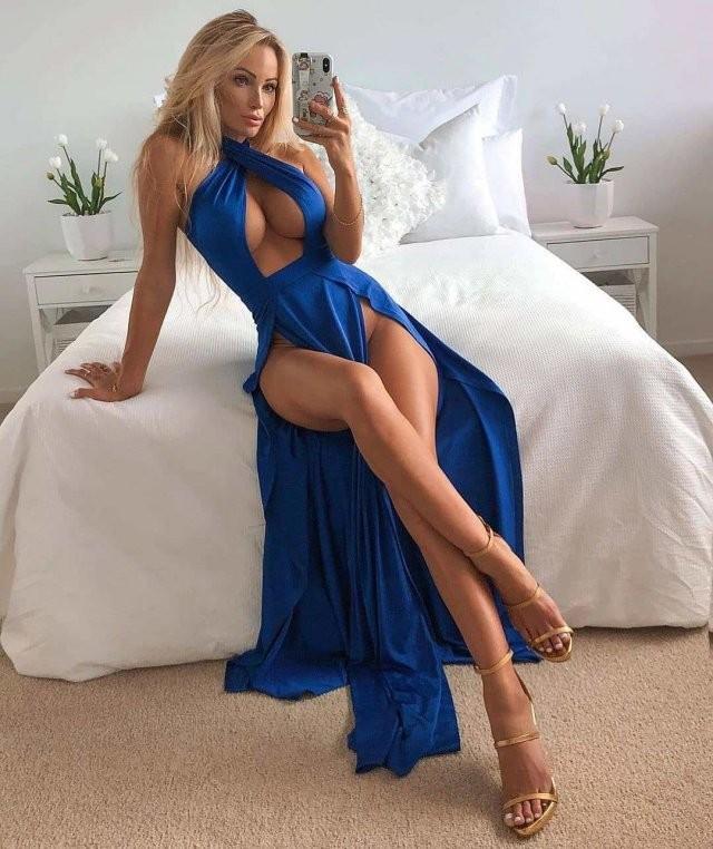 Платья с высокими разрезами (20 фото)