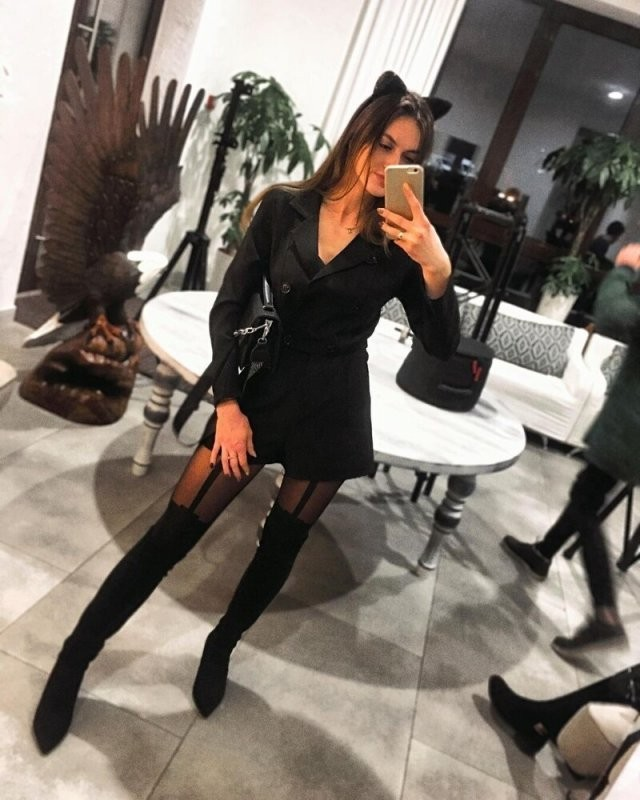 Россиянки на новогодних корпоративах (15 фото)