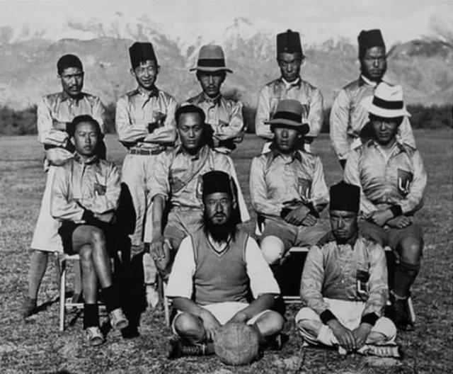 Яркие черно-белые фотографии из архивов (15 фото)