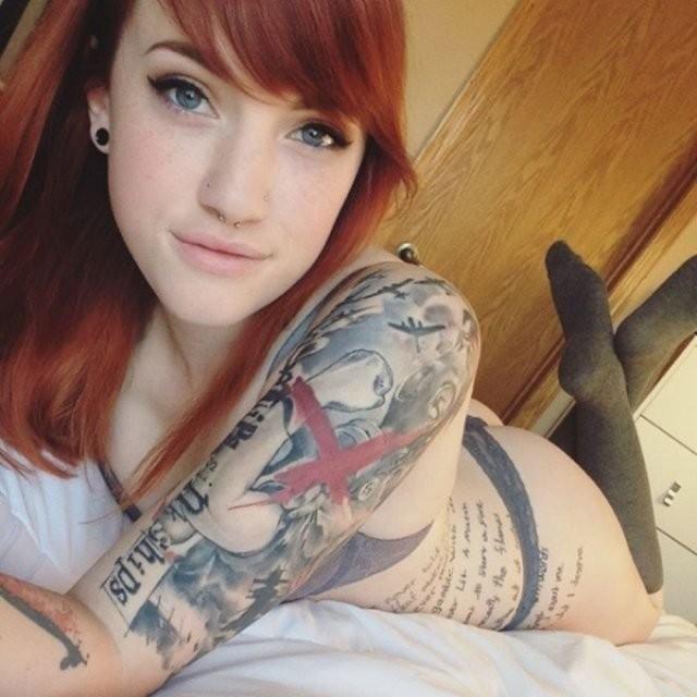 Девушки, которые любят татуировки (25 фото)