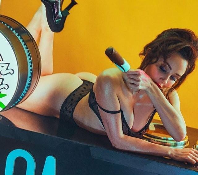 Фигуристка Елизавета Туктамышева в откровенной фотосессии Maxim (7 фото)