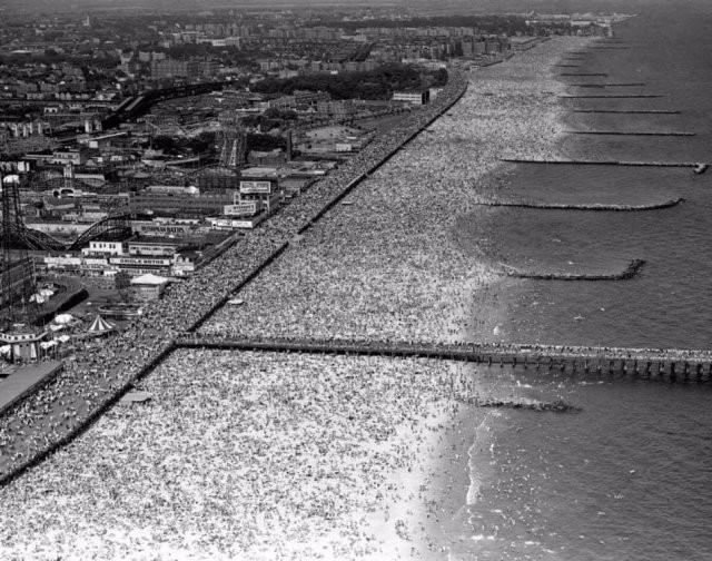 Яркие черно-белые фото из прошлого (15 фото)