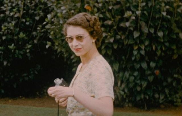 Архивные фотографии королевской семьи: Елизавета II и принц Филипп (7 фото)
