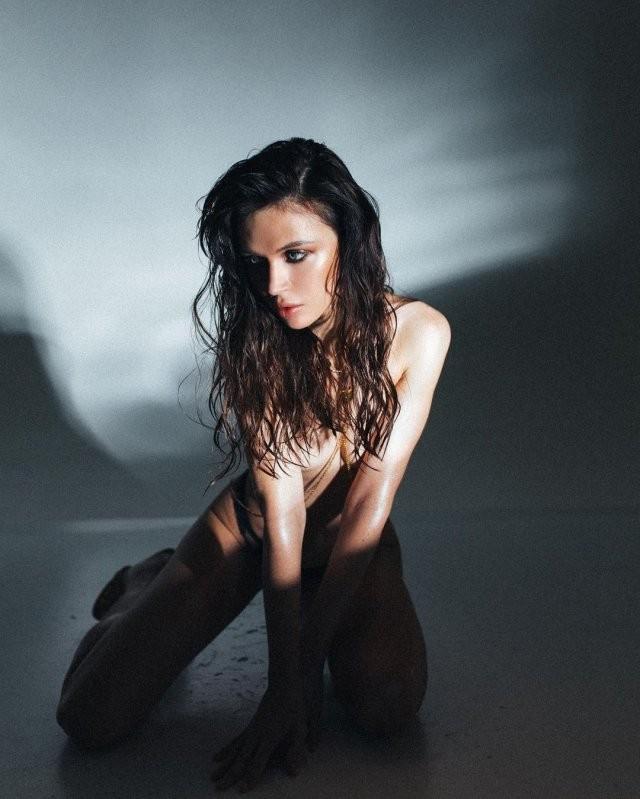 Наташа Шелягина - горячая стримерша и замена Wylsacom (16 фото)