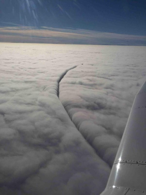 Красота в иллюминаторе: пользователи поделились крутыми снимками, сделанными в небе (17 фото)