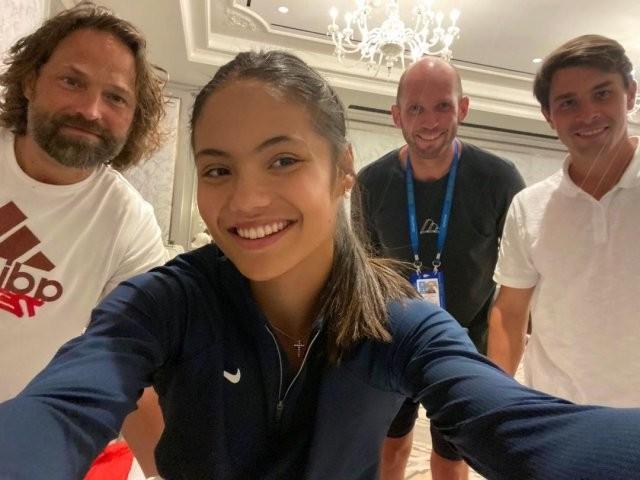 Эмма Радукану - 18-летняя теннисистка, которую называют новой Марией Шараповой (15 фото)