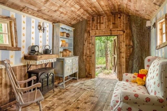 Disney построил настощий дом Винни-Пуха в английском лесу и в нем есть особые правила (3 фото)