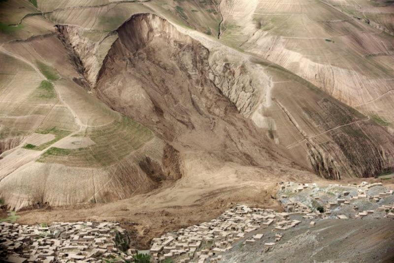 Оползень в Афганистане (8 фото)
