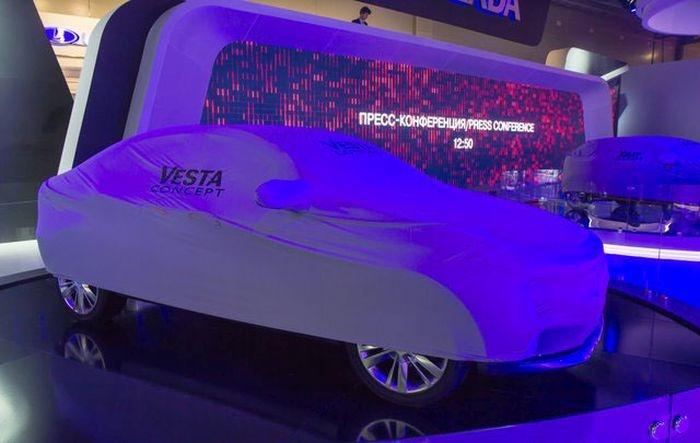 Москва: официально представлены Lada Vesta и Lada Xray (31 фото)