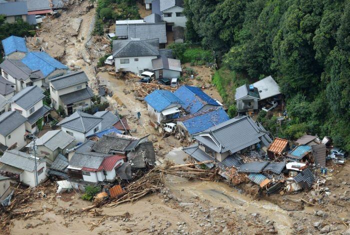 Как сокрушительные оползни разрушили Хиросиму (26 фото)