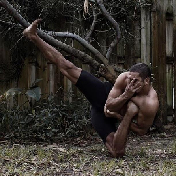 """""""Мистер резиновые ноги"""" - Рауф Ясит (17 фото)"""