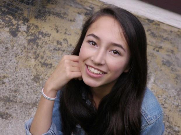 16-летняя школьница создала фонарик, работающий только за счёт тепла тела (2 фото + видео)