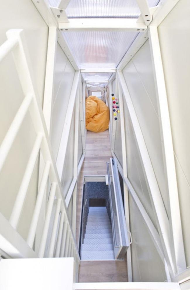 Самый узкий в мире дом от Якуба Щесного (5 фото)