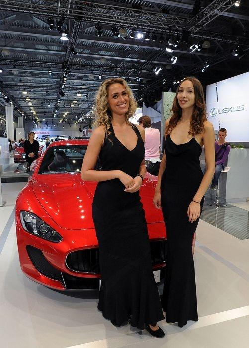 Девушки с Московского международного автосалона 2014 (27 фото)