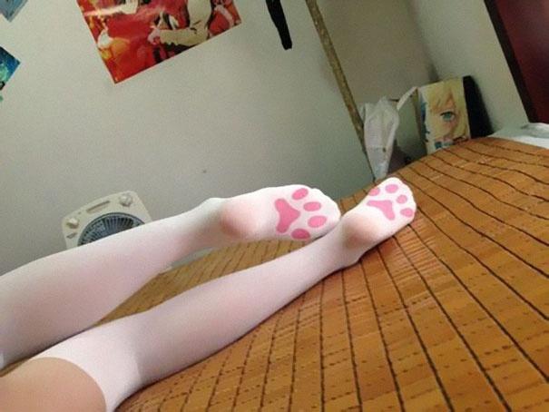Необычные носки, чулки и колготки (18 фото)
