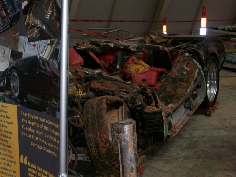 Вытащенные из провала раритетные Chevrolet Corvette (14 фото)