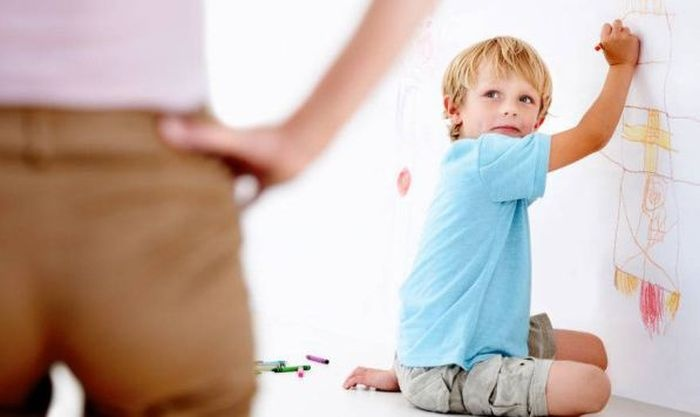 Очень гуманное наказание для ребенка (2 фото)