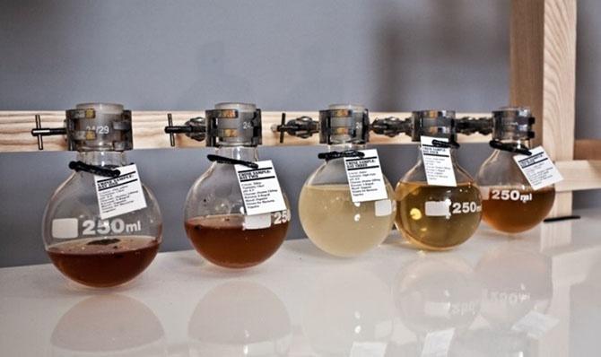 Самые странные алкогольные напитки в мире (7 фото)