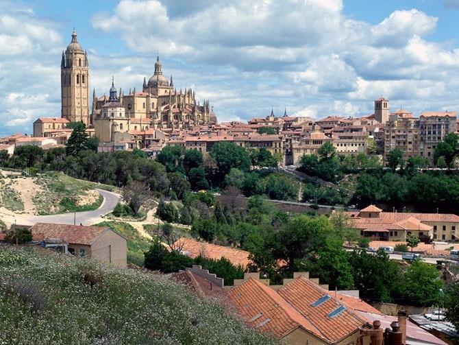 Десять странных законов Испании (11 фото)