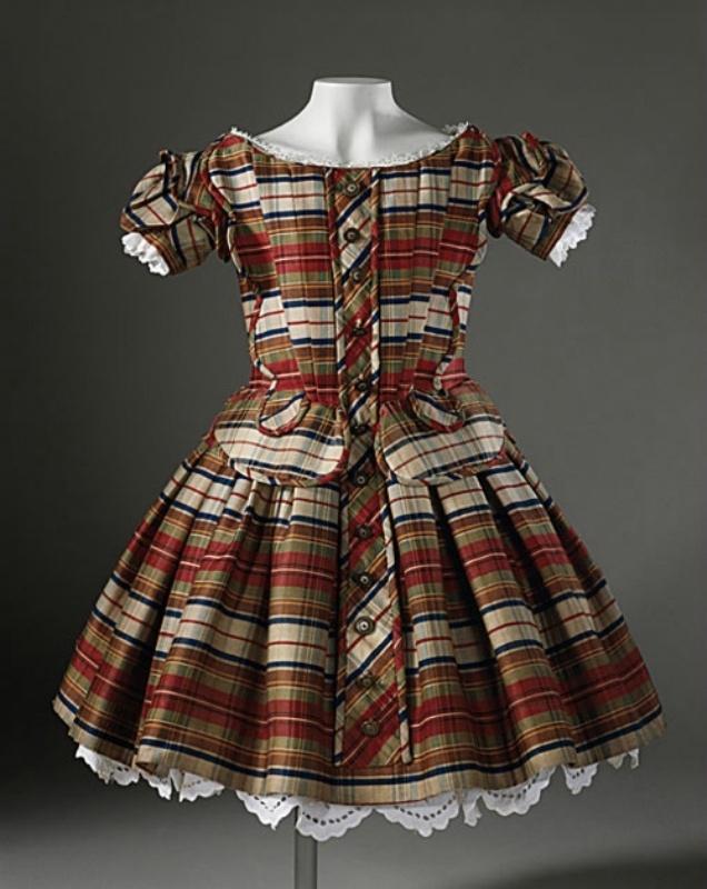 Платья для мальчиков в XVI-XIX веках (14 фото)