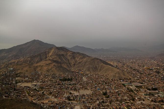 Самые загрязнённые достопримечательности мира (11 фото)