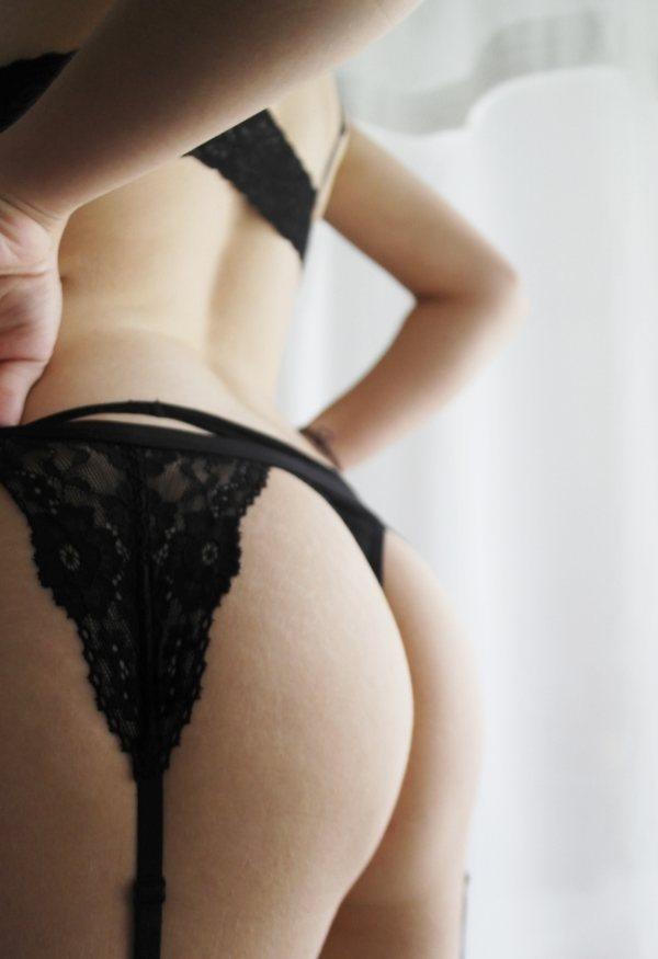 Соблазнительницы в нижнем белье (17 фото + 2 гифки)