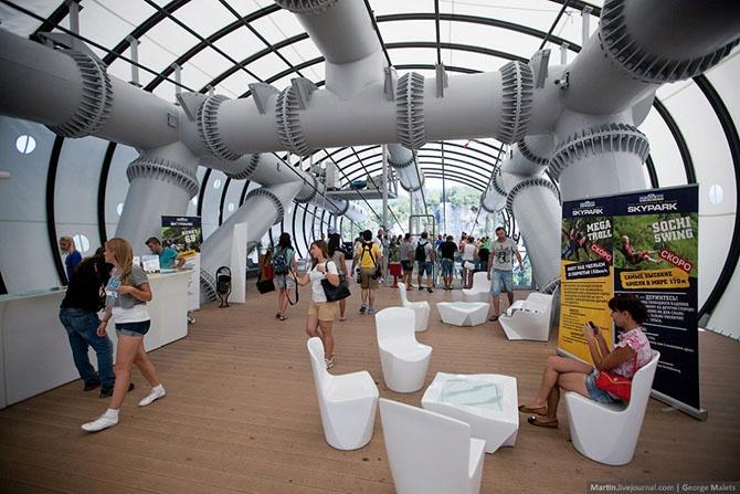 Как выглядит самый длинный пешеходный подвесной мост (30 фото)
