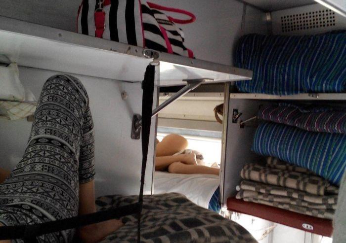 Соседки в плацкартных вагонах (38 фото)