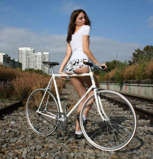 Сексуальные велосипедистки (25 фото)