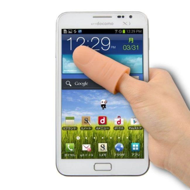 В Японии решены проблемы коротких пальцев и больших экранов (8 фото)
