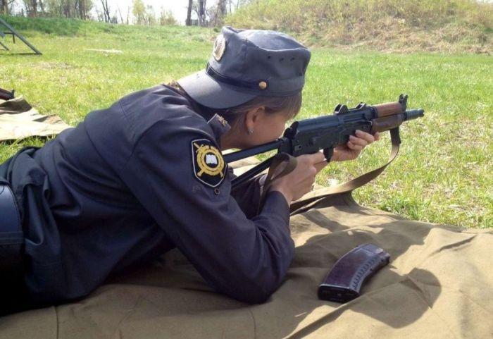 Красивые девушки из российской полиции (30 фото)