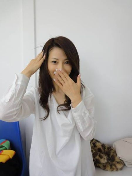 Угадайте, сколько лет этой милой девушке? (18 фото)