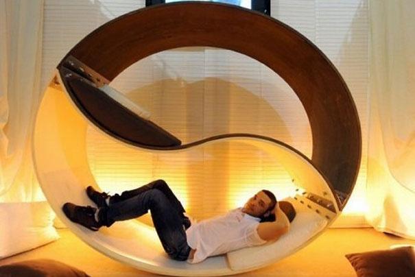 Креативное решение постельного вопроса: 26 необычных кроватей, диванов и матрасов (46 фото)