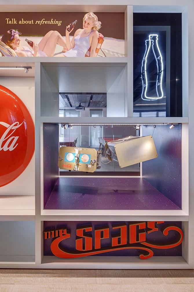 Жизнерадостный офис Coca-Cola в Лондоне (17 фото)