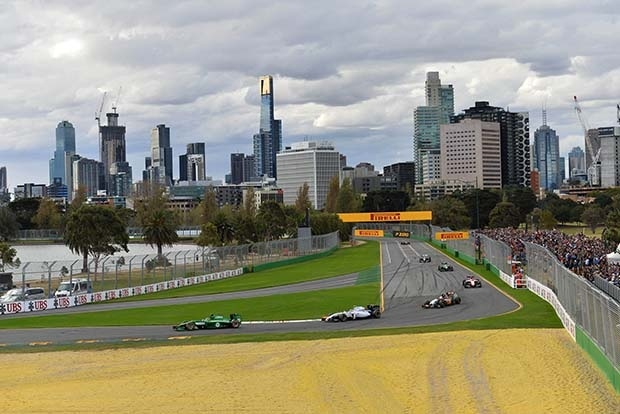 Самые известные уличные трассы «Формулы-1» в мире (9 фото)