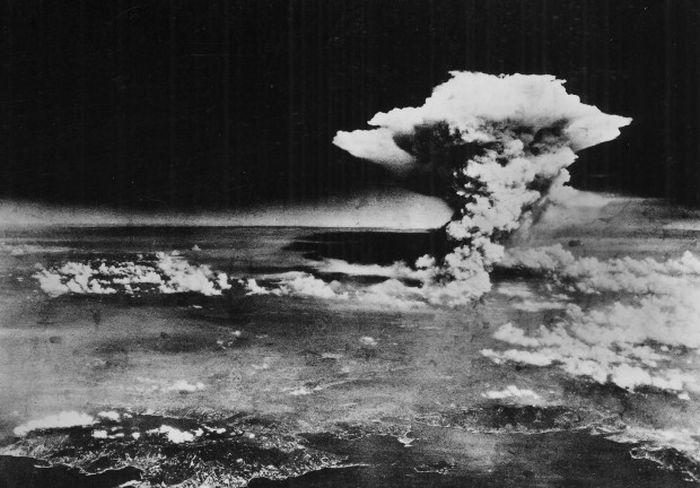 Ядерный взрыв в Хиросиме со слов очевидца (16 фото)