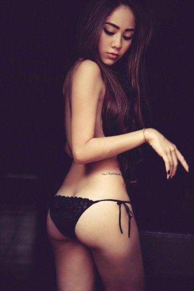 Подборка красивых азиатских девушек (52 фото + 3 гифки)