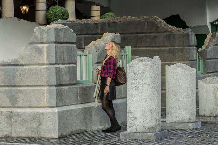 Иллюзия: парящее в воздухе здание (6 фото)