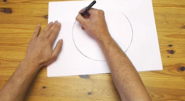Лайфхак: как нарисовать идеально ровный круг без циркуля (1 фото + 1 видео)