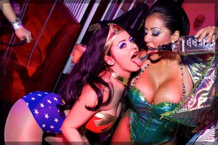 Девушки готовятся к Хэллоуину (29 фото)