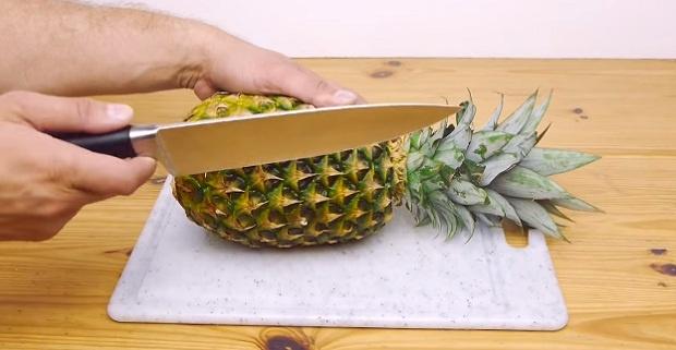 Как круто нарезать ананас за 30 секунд (1 фото + 1 видео)