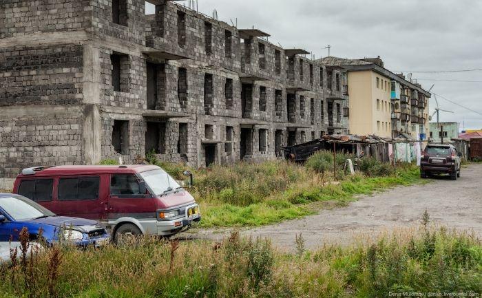 Впечатления от поселка Октябрьский, стоящего на берегу Охотского моря (30 фото)