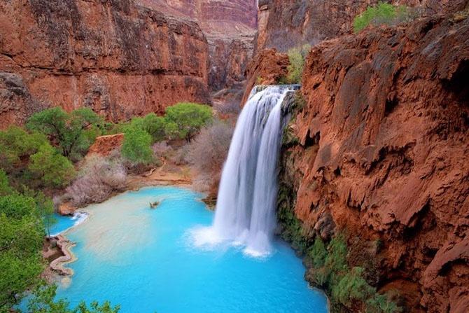 10 самых красивых природных бассейнов мира (23 фото)