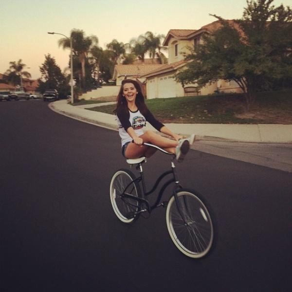 Прекрасные велосипедистки (27 фото)