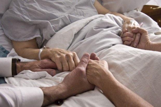 Откровения неизлечимо больных пациентов: о чём они сожалеют? (2 фото)