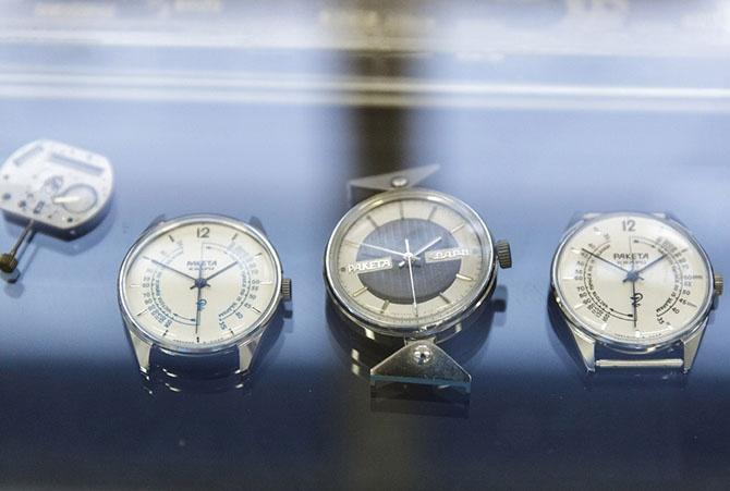Как делают часы в России (35 фото)