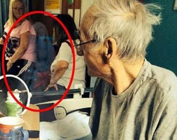 Наведавшийся в палату призрак исцелил умирающего пенсионера (2 фото)
