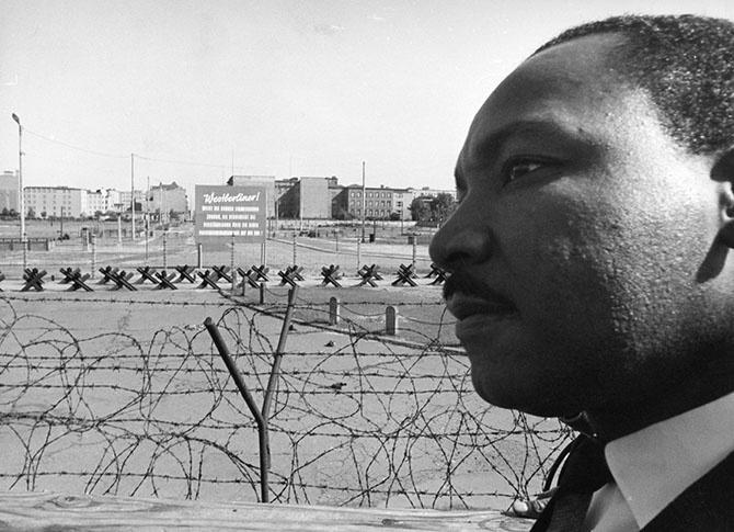Падение Берлинской стены (31 фото)