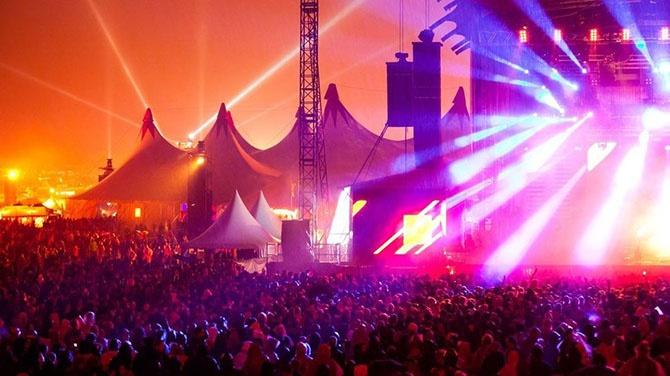 42 самых эпичных танцевальных фестиваля со всего мира (42 фото)